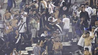 Confusão nas arquibancadas de São Januário após Vasco x Flamengo