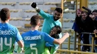 Após longa espera, Gabigol brilha, volta a marcar após sete meses e dá vitória à Inter