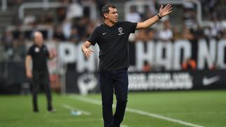 Carille durante derrota do Corinthians para o Red Bull Brasil ac807412c5da8