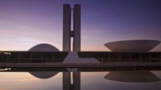 Desça do salto, coloque roupas confortáveis e viva uma outra Brasília