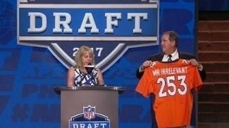 Broncos selecionaram Chad Kelly como o 'Sr. Irrelevante'