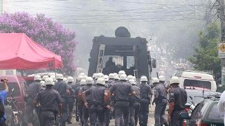 Polícia Militar em ação antes de duelo Palmeiras x Corinthians
