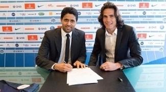 Cavani assina contrato com o PSG até 2020