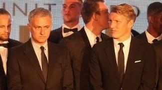 José Mourinho e Bastian Schweinsteiger em evento do Manchester United