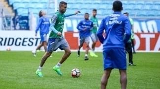 Luan treina na Arena antes de partida pela Libertadores