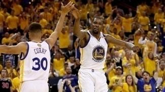 Warriors foram campeões perdendo só um jogo nos playoffs