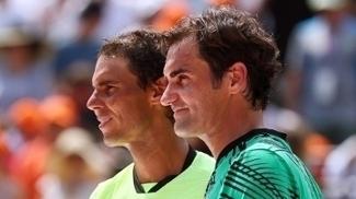 Federer e Nadal durante premiação do Miami Open