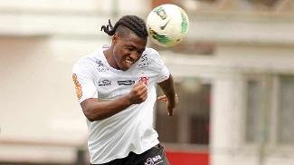 Diego Maurício treina com o Flamengo