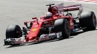 Ferrari domina na Rússia e faz 1ª pole em 2017 com Vettel; Hamilton larga em 4º, Massa, 6º
