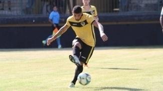 Rodrigo Yuri em ação pelo Tigres do Brasil