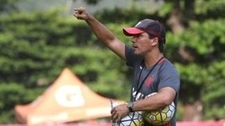 Zé Ricardo escalará uma equipe com vários reservas