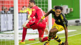 Aubameyang deixou sua marca na vitória sobre o Wolfsburg