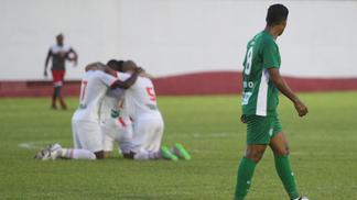 Jogadores do Mogi Mirim comemoram o gol marcado contra o Guarani na Série A2 do Paulista de 2017