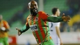 Vagner Love fez 23 gols pelo Alanyaspor