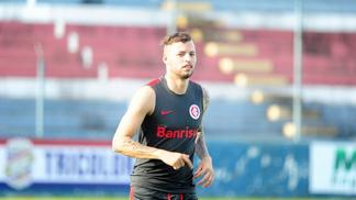 Nico Lopez durante treino do Internacional
