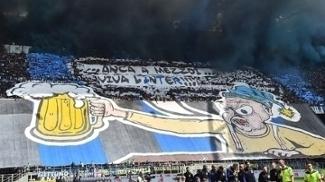 'Mesmo ao meio dia, viva a Inter', dizia a faixa de protesto na torcida