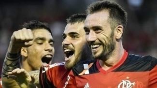 Mancuello comemora com Vizeu gol na vitória sobre o Madureira