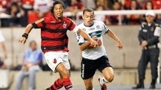 Leo Gago Coritiba Ronaldinho Flamengo Campeonato Brasileiro 06/08/2011