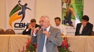 Manoel Luiz, que está impugnado pelo STJD, mas recusa-se a deixar a CBHb