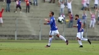 Matheus Carvalho deixou sua marca na vitória do Paraná Clube