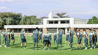 Jogadores do América-MG treinam após empate com o ABC
