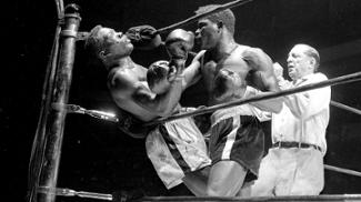 Preconceito, pressentimento e redenção: há 55 anos, nocaute brutal tirava a vida de campeão