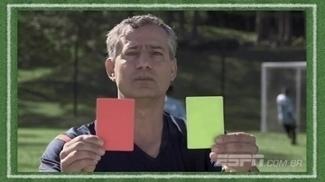 Recuos, seis segundos, jogo perigoso... Quais infrações são tiros livres indiretos? 'Regra 18' explica a regra 12