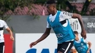 Bruno Henrique participa do treino do Santos