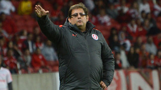 Guto Ferreira segue no comando do Internacional