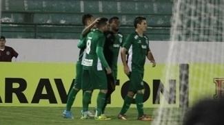 Bruno Nazário, jogador do Guarani, comemora seu gol durante partida contra o Figueirense