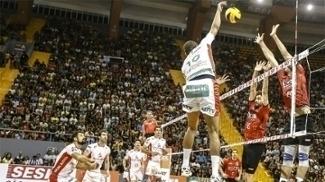 Brasil Kirin em ação contra o Sesi: novos rumos para a equipe