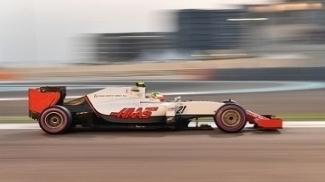 Esteban Gutierrez no treino classificatório em Abu Dhabi