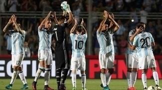 Argentina aliviou pressão contra a Colômbia e agora quer jogar na Bombonera