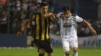 Tucuman venceu o Peñarol por 2 a 1