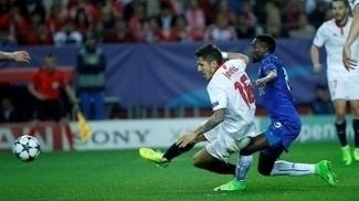 Jovetic esteve em campo na vitória do Sevilla sobre o Leicester por 2 a 1