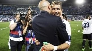 Cristiano Ronaldo Zinedine Zidane Comemoram Titulo Real Madrid Campeonato Espanhol 21/05/2017