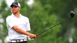 Stephen Curry já participou de muitos torneios de golfe, mas agora terá chance com profissionais