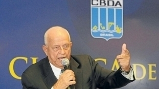 Coaracy Nunes, que preside a CBDA desde 1988: sétimo e último mandato?