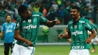 Mina dança para comemorar o gol que abriu o placar no Allianz Parque