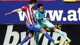 Neymar sofreu com a marcação de Vrsaljko durante Atlético de Madri x Barcelona