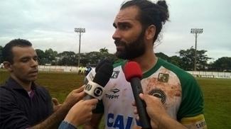 Léo Gamalho voltou a deixar sua marca pelo Goiás