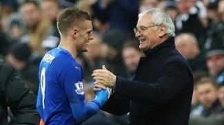 Vardy e Ranieri: Leicester é líder do Inglês após 13 rodadas disputadas
