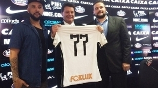 Corinthians apresenta patrocínio, e cartola promete: 'Teremos camisa mais valiosa'