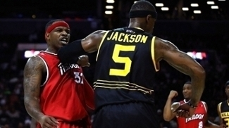 Stephen Jackson empurra Rashad McCants no Big3