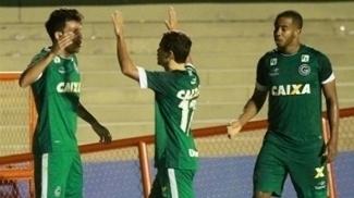 Goiás empata com o rival Atlético-GO e garante vaga na grande decisão do Estadual