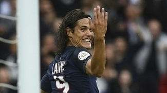 Cavani segue destruindo defesas na Ligue 1