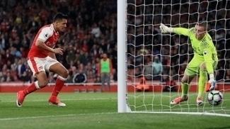 Sánchez chegou a 23 gols nesta Premier League
