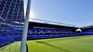 Quem é o ex-Arsenal que faz o Everton avançar rapidamente dentro e fora de campo