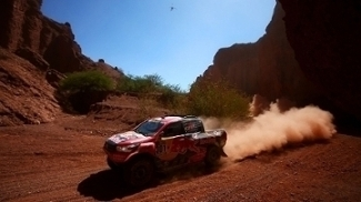 Al-Attiyah está fora da disputa do Rally Dakar