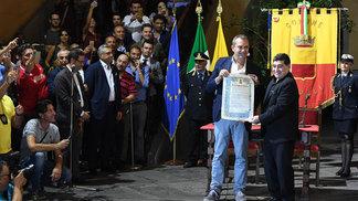 Maradona recebeu título de cidadão honorário de Nápoles